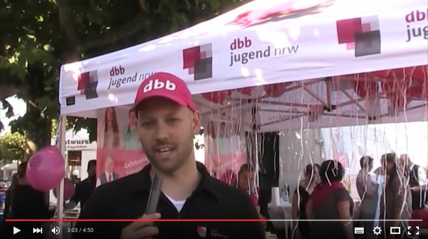 Öffentlichkeitsaktion der dbb jugend nrw in Düsseldorf gegen Gewalt