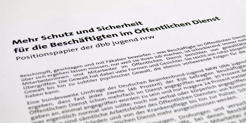 Bosbach-Kommission studiert Positionspapier der dbb jugend nrw