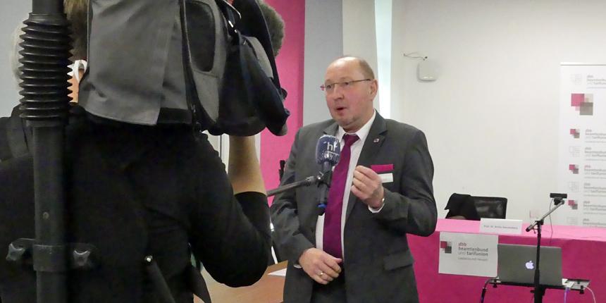 Der Vorsitzende des dbb Hessen im Interview
